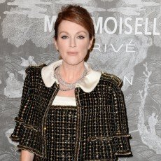 Julianne-Moore et Chanel