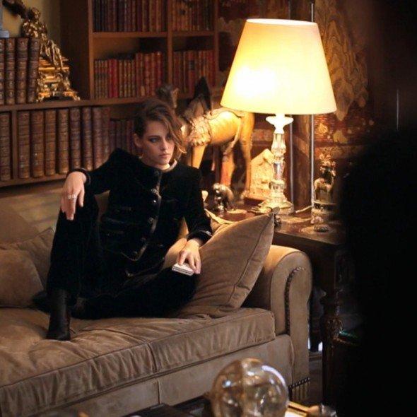 kristen Stewart pose pour Chanel