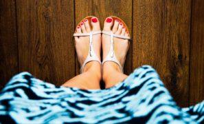 Sandales, tropézienne ou tongs, quelles chaussures pour les beaux jours ?